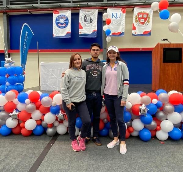 María Fernanda Aguiluz, Daniel Gutiérrez y Scarlet Weidig tendrán una beca en universidades de Estados Unidos: FOTO: Cortesía Lincoln School.
