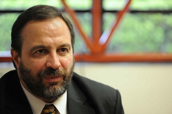 El exdiputado Federico Malavassi dio hoy su adhesión al candidato presidencial del PUSC, Rodolfo Hernández.