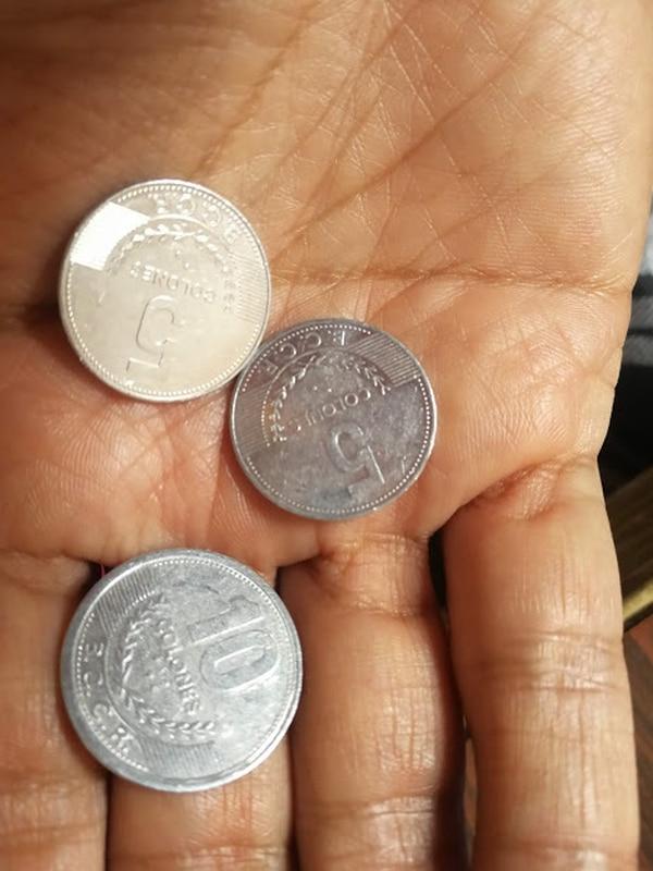 Los 715 millones de piezas de ¢5 que están en circulación en la economía, seguirán funcionando. Foto: Patricia Leitón.