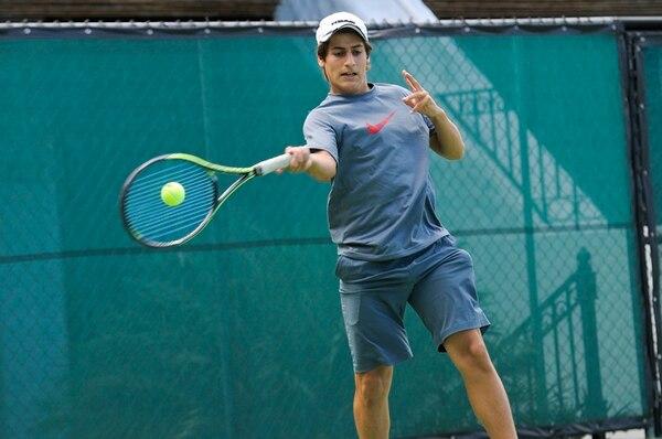 Durante las últimas dos semanas Sebastián Quirós intensificó sus entrenamientos en las canchas del Costa Rica Country Club, en San Rafael de Escazú, sede de la Copa del Café. | ADRIÁN SOTO