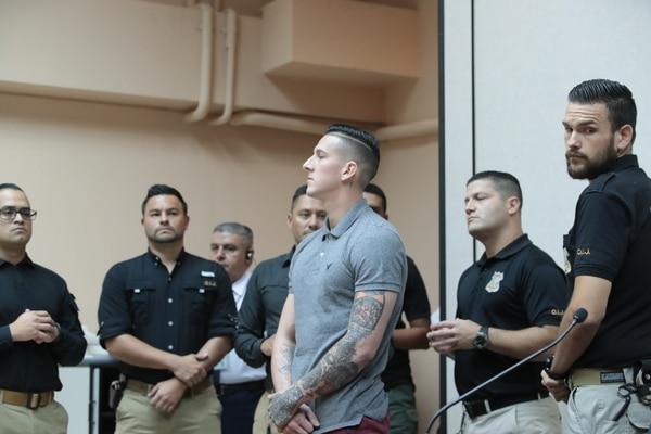 Los jueces calificaron que Marvin Brenes Oviedo (camisa gris) ejerció una