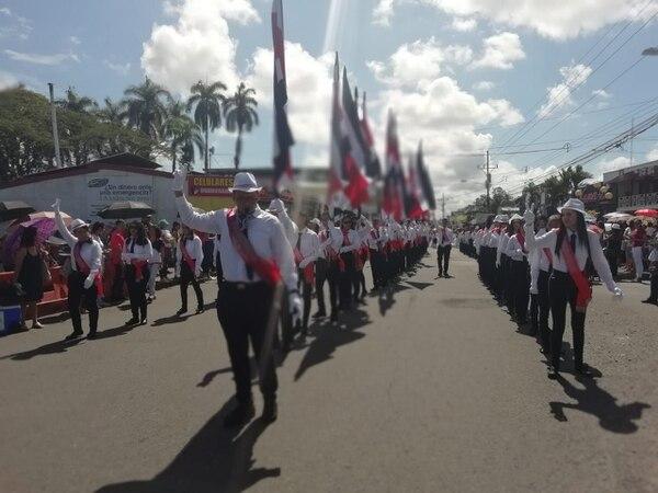 El estudiante Rosbin Miranda dirigió a los abanderados del Colegio Técnico Profesional de Pococí en la celebración del Día de la Independencia. Fotografía cortesía de Miranda.