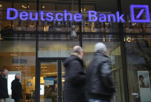 Las acciones Deutsche Bank cerraron en verde en la bolsa de Fráncfort, este viernes.