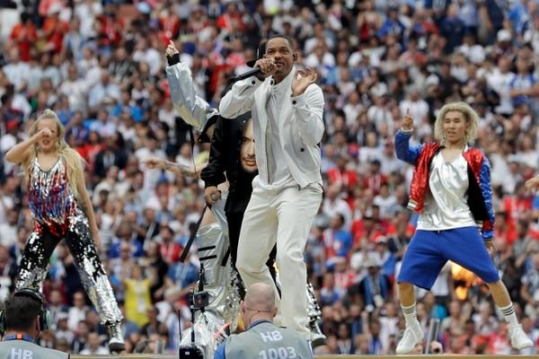 El Príncipe en Rusia. El cantante y actor Will Smith, cantó uno de los temas del Mundial de Rusia 2018, en la ceremonia de clausura de la Copa del Mundo donde Francia derrotó 4-2 a Croacia y se coronó campeona del Mundo. AP Photo/Matthias Schrader