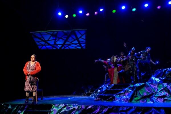 'Única mirando al mar' es protagonizada por Grettel Cedeño en el papel de Única Oconitrillo. Foto: cortesía Fabián Hernández.