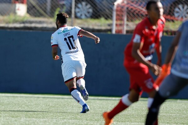 Alex López marcó el primer gol de la Liga en el torneo, pero ese día se lesionó y estará tres semanas fuera. Fotografía: José Cordero