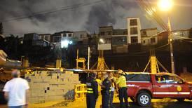 Deslizamiento tras fuertes lluvias obliga a evacuar 20 viviendas en Calle Blancos