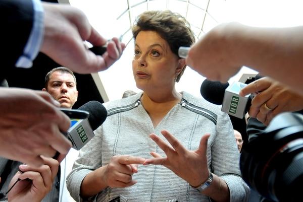 Durante la dictadura, la presidenta de Brasil, Dilma Rousseff, guerrillera en la época, fue detenida en 1970, torturada y encarcelada. | ARCHIVO