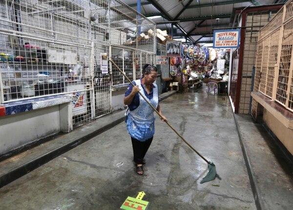 El mercado Roberto Huembes, en Managua, estaba desolado este jueves 14 de junio del 2018 como consecuencia del paro nacional convocado por la oposición.