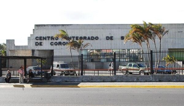 El motociclista falleció en la Clínica de Coronado, informó el OIJ.