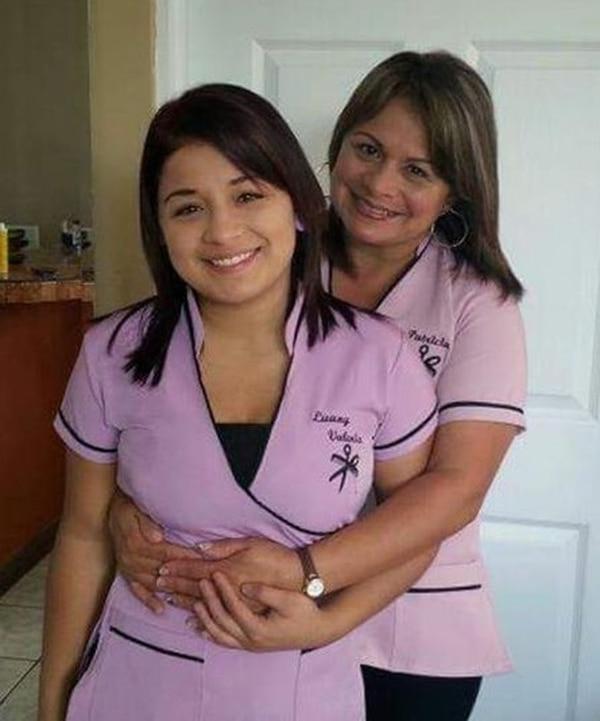La joven en ocasiones ayudaba a su madre en un salón de belleza. Foto: Cortesía de Patricia Zamora
