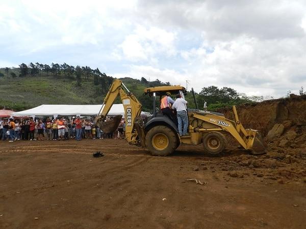 Personeros de Vivienda visitaron el lugar del proyecto. | MIVAH