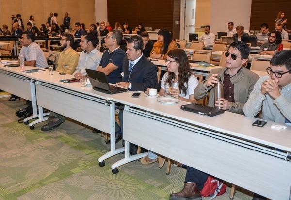 Durante la actividad participaron representantes de diferentes instituciones públicas y algunos entes privados. Foto: Mario Villalobos