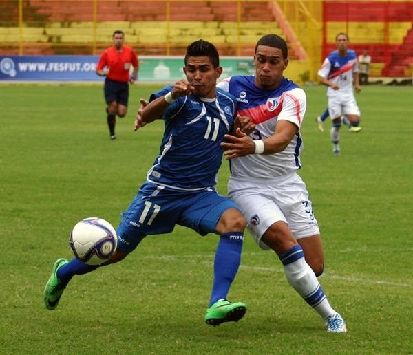 Jonathan Águila (11) ante República Dominicana. La Selecta venció 2-0.   FEDERACIÓN SALVADOREÑA DE FÚTBOL