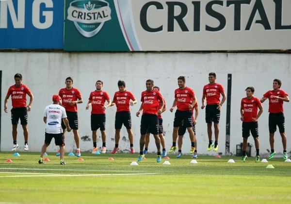 La Selección de Chile durante su entrenamiento en el centro Juan Pinto Durán.