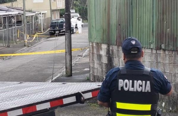 Uno de los últimos homicidios del año pasado se presentó el 30 de diciembre en barrio Lourdes de Ciudad Quesada, San Carlos, donde mataron a balazos a un hombre de 29 años. Foto: Edgar Chinchilla, corresponsal GN