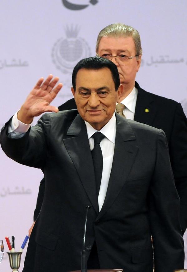 Un tribunal de Egipto ordenó este miércoles libertad condicional al exprersidente Hosni Mubarak.
