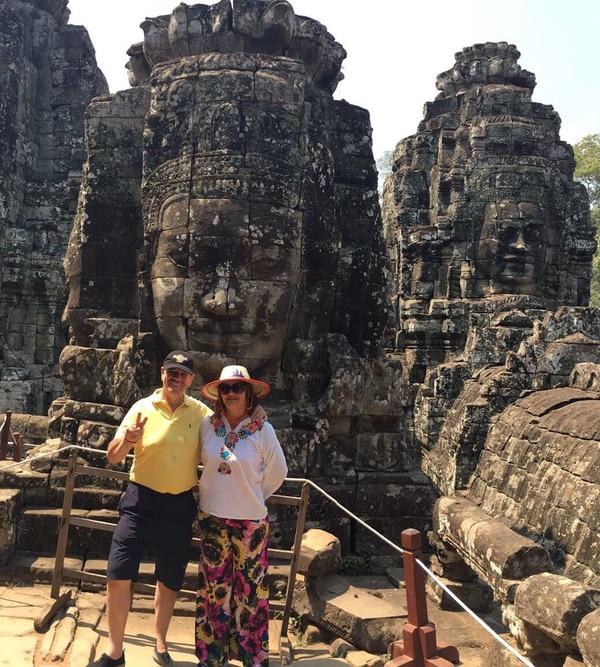 Claudia Alfaro y su esposo Jorge Brown en Vietnam.