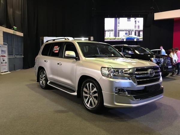 """Conocida popularmente como la """"Toyotona"""" el Land Cruiser Station Wagon es el vehículo de más alta gama que Toyota tiene disponible en la Expomóvil 2019."""