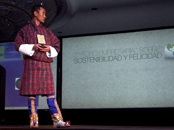Lhaba Tshering dictó ayer su charla en el II Foro sobre Sostenibilidad y Felicidad, en el Hotel Real Intercontinental. | GESLINE ANRANGO PARA LN.