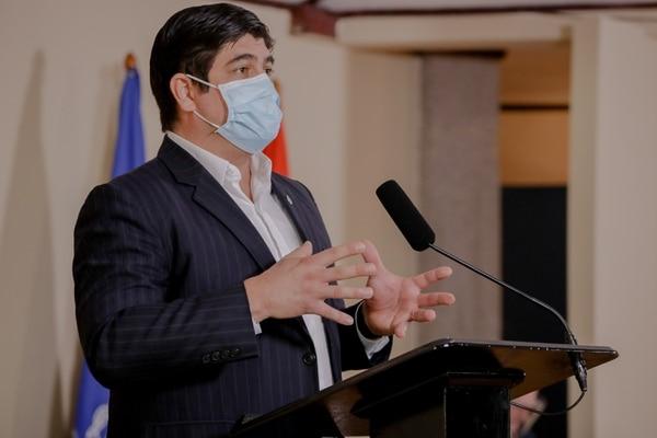 El presidente Carlos Alvarado enfatizó en que están abiertos al diálogo, pero no hay ruta que no incluya nuevos ingresos. Foto: Roberto Carlos Sánchez / Presidencia para LN