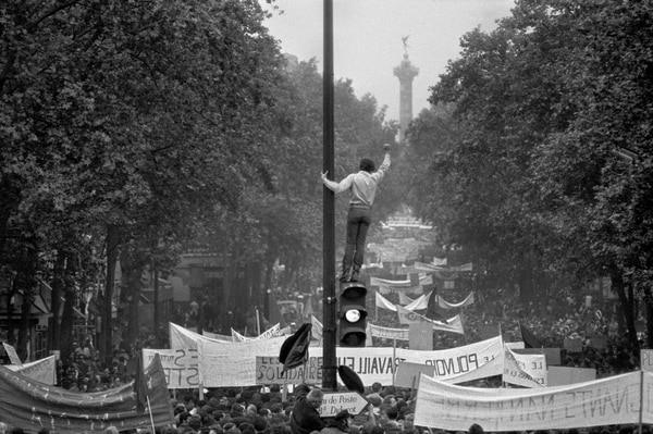 El 13 de mayo, los obreros salieron a las calles con los estudiantes. Foto: Archivo/Bruno Barbey.