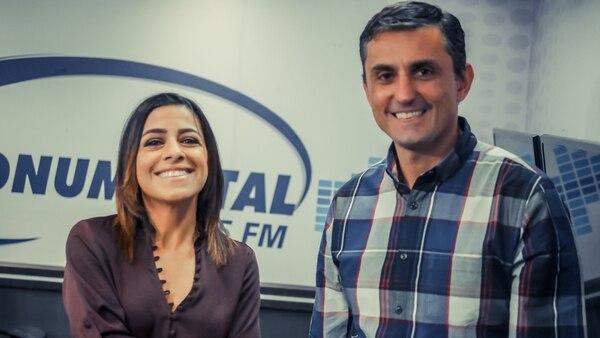 Marianella Cordero y Esteban Aronne serán las voces de 'Esta tarde'. Fotografía: Cortesía Monumental.