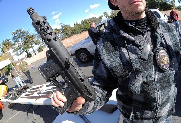 Los dueños de las armerías que han estado en el negocio desde hace muchos años afirman que nunca habían visto tal avidez por armas de fuego. | AFP.
