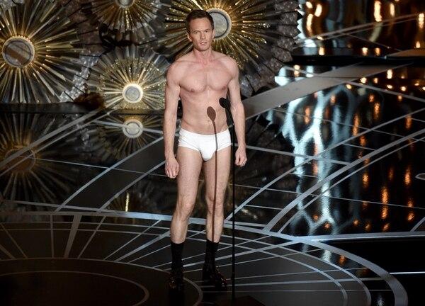 Neil Patrick Harris en su intervención muy a lo 'Birdman' durante los Oscar.