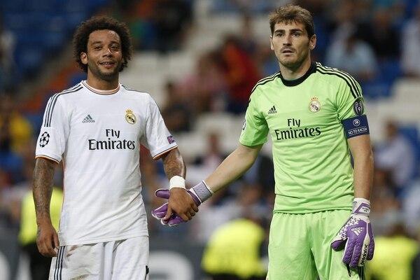 Iker Casillas junto a Marcelo en el encuentro correspondiente a la segunda jornada de la fase de grupos de Liga de Campeones.