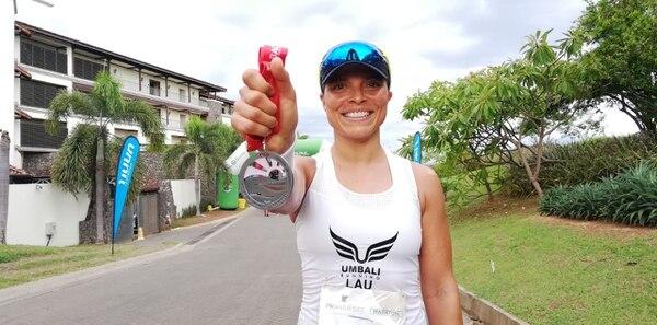 Laura Marín, tercer lugar femenino en 21 km. FOTO: Fiorella Masís.
