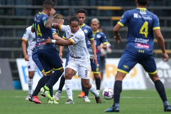 Jonathan McDonald llegó nuevamente a Herediano para el Torneo de Apertura 2020 y en cinco fechas suma cuatro goles. Fotografía: José Cordero