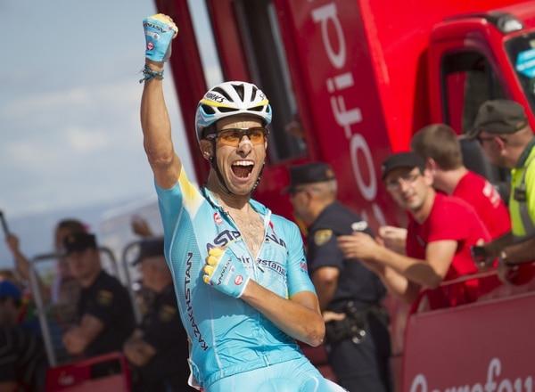 Fabio Aru celebra su segunda victoria en la Vuelta a España 2014.