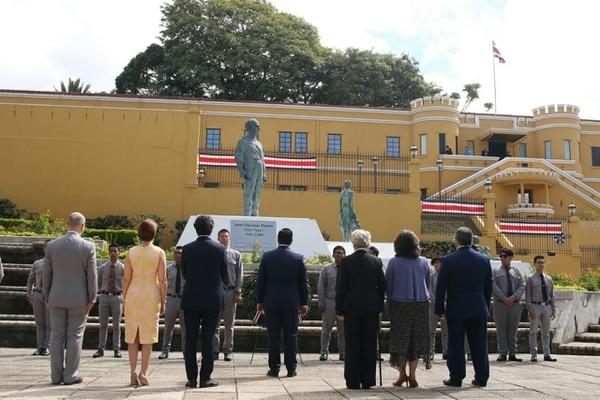 El presidente Carlos Alvarado en el acto de celebración del 70 aniversario de la abolición del ejército, en la plaza de la Democracia.