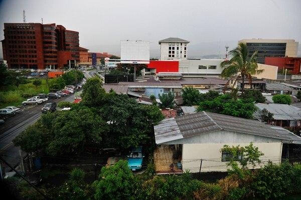 Los vecinos de calle Matapalo vieron los alrededores cuando solo había potreros, huertas y granjas; también vieron el levantamiento de los gigantes comerciales.