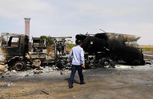 Al menos seis personas resultaron muertas y otras 25 heridas en los enfrentamientos ocurridos hoy en la zona del aeropuerto de Trípoli entre milicianos de la localidad de Zintán.