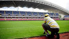Covid-19 obligó a activar plan de emergencia para darle mantenimiento a gramilla del Estadio Nacional