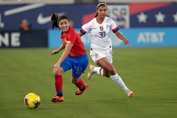 Lixy Rodriguez se vio superada varias veces por la velocidad de la estadounidense, Margaret Purce. Fotografía: AP