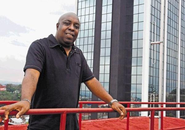 Martin Scott tiene 55 años y sigue siendo DJ, además de locutor de su programa Noches caribeñas y locutor comercial. Foto: Cortesía Martin Scott.