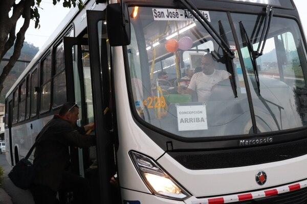 La empresa Transportes Doscientos Cinco S.A. es la nueva encargada de la ruta, mientras se resuelve el proceso con la Ruta Ochenta y Tres. Foto cortesía CTP.
