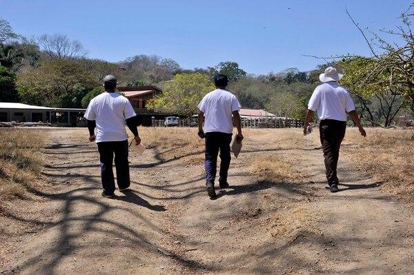 Personeros de la CCSS visitaron esta mañana la comunidad de Nicoya para prevenir a la población sobre el virus del Zika.