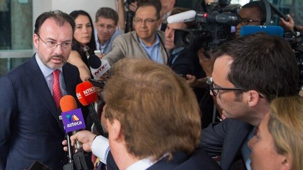 El secretario de Relaciones Exteriores de México, Luis Videgaray conversó con los medios luego de reunirse con el el secretario de Estado estadounidense Rex Tillerson.