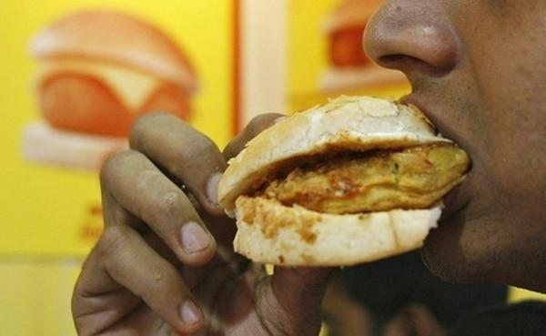 Un cuarto de los 3.385 participantes creyó que estaba comiendo 500 calorías menos de lo que tenía el platillo