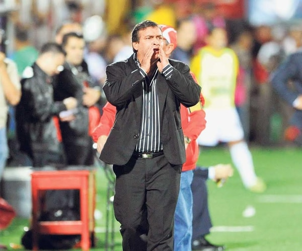 Óscar Ramírez (Alajuelense) tiene 182 partidos dirigidos en Primera División: 98 triunfos, 46 empates, 38 derrotas.