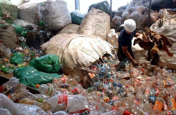 22/6/09. Costa Rica exportó unas 10.127 toneladas de desechos y recortes de plástico en el 2017. Este es uno de los 24 materiales a los cuales China restringió el ingreso. Foto: Eyleen Vargas.