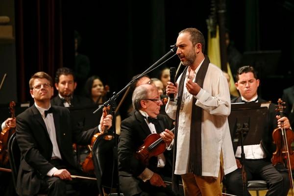 Aporte nacional. La obertura Aura y reverberació n es del compositor costarricense Carlos Castro. Mayela López