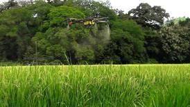 Drones reducen a una centésima parte uso de agua para fumigación agrícola