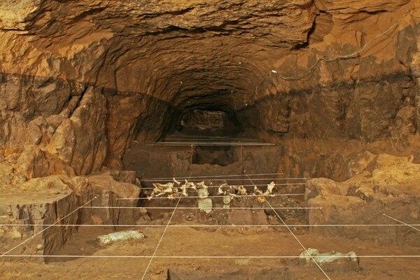El túnel que representaba el inframundo para los nativos de la zona, era adornado con ofrendas como caracoles de hasta 60 centímetros, cuentas de jade de Guatemala y pelotas de hule de las zonas tropicales. | AFP.
