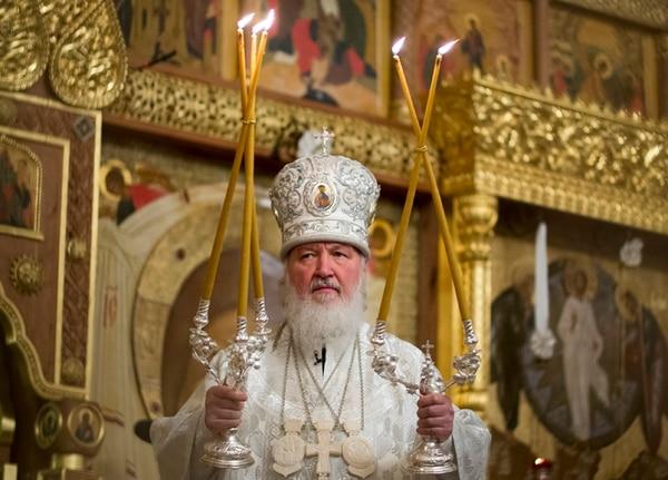 Kiril dirigió el 18 de enero el oficio de la epifanía ortodoxa en la catedral de Cristo Salvador en Moscú. | AP