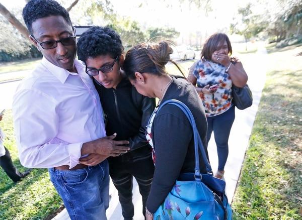 Reportan tiroteo en escuela de Florida; varios heridos — ÚLTIMA HORA
